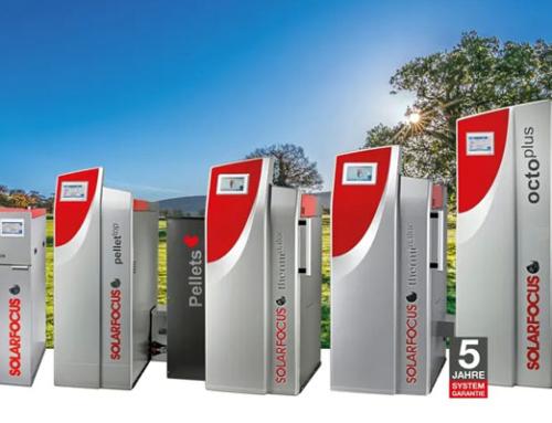 Kostenlose Energie der Sonne und die Kraft aus Biomasse