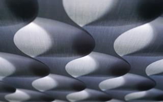 "Lamellen der besonderen Art: ""Vertical Waves"" im 3D-Design"