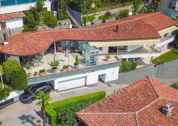 Villa mit fantastischer Seesicht und grossen Terrassen