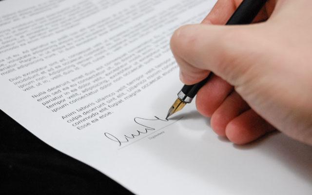Covid-19-Gesetz: Nationalrat unterstützt Zwangsstundung und streicht Kündigungsverbot