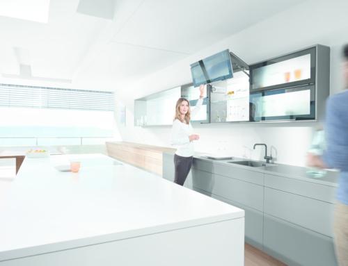 k chen aus glas zeigen ihre sch nsten seiten bauschweiz das portal f r bauen und wohnen. Black Bedroom Furniture Sets. Home Design Ideas