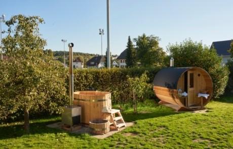 Traum der eigenen Sauna oder einem eigenen Hot Tub im Garten