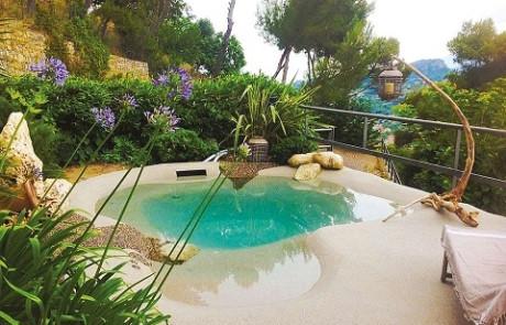 Schwimmbecken: Biodesign-Pools setzen auf organische Formen und neue Technologie