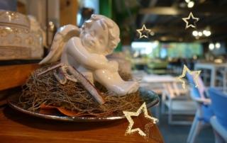 Winterliche Gartenaccessoires, weihnachtliche Dekorationen & Lichterzauber