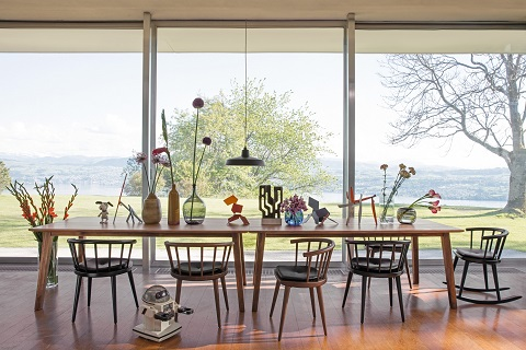 tisch und stuhl ein unzertrennliches paar bauschweiz. Black Bedroom Furniture Sets. Home Design Ideas
